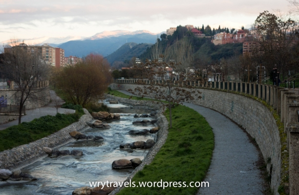granada-spain-river-neighborhood